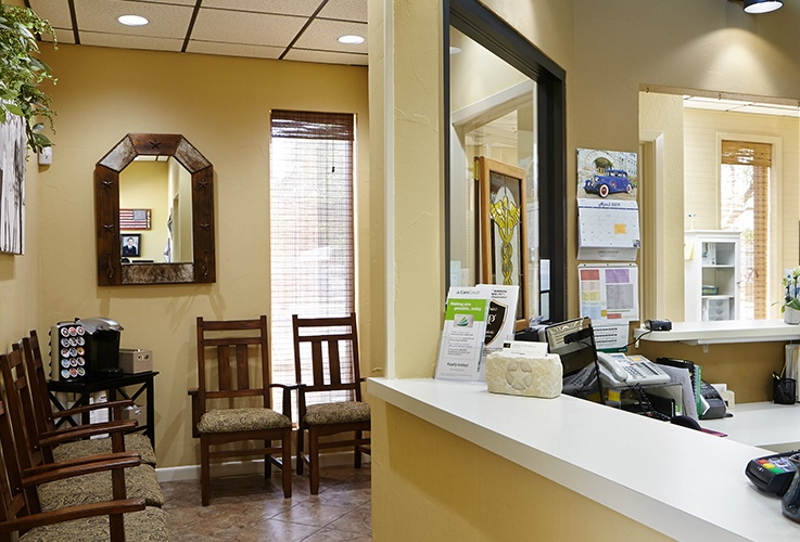 Kerrville Texas dental office waiting room and reception desk